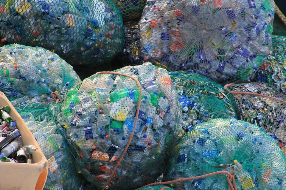 Daur Ulang Limbah Plastik