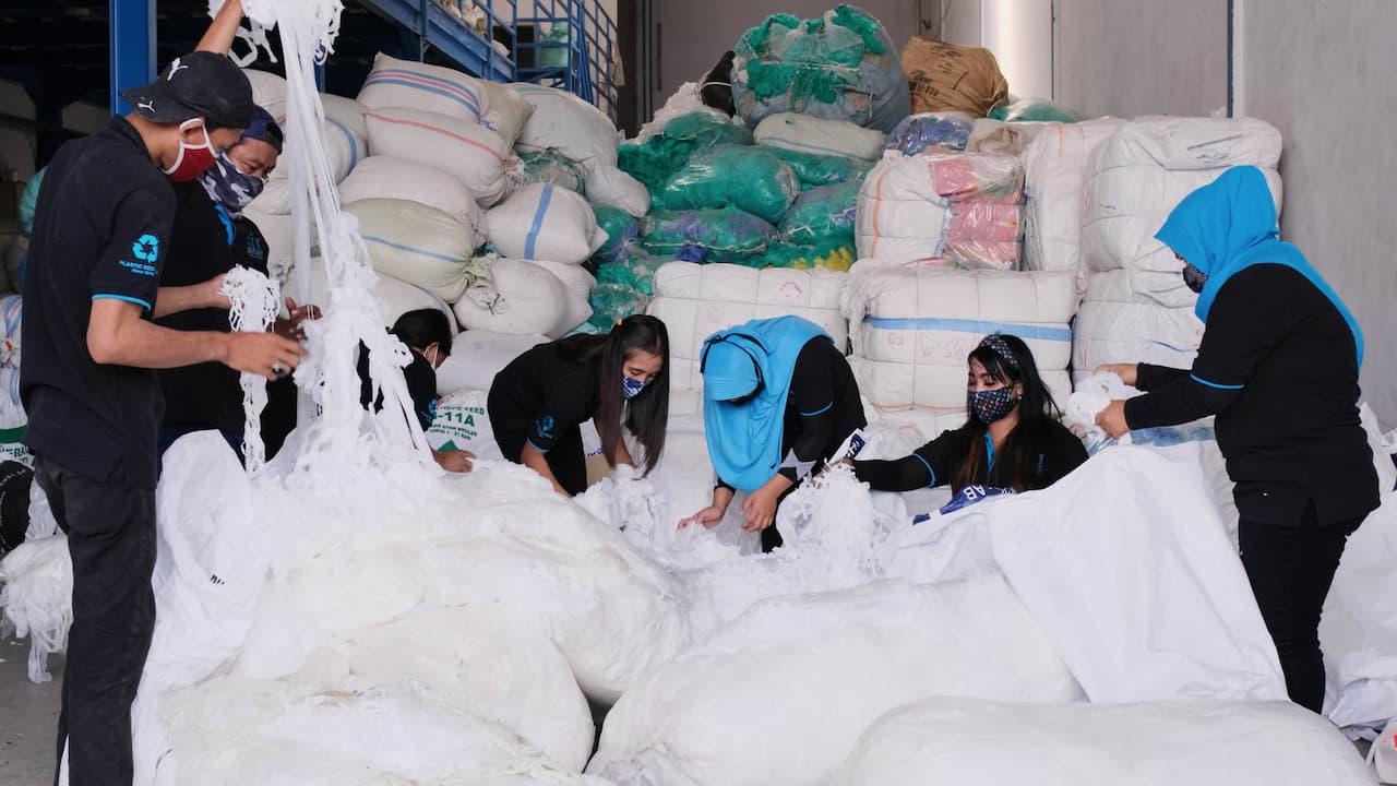 Pabrik Daur Ulang Plastik Menciptakan Lapangan Pekerjaan S